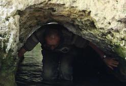 Bu tünelden 7 defa geçenler şifa bulduğuna inanıyor