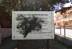 İznikte tarihi türbeye spreyli saldırı