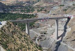 Güneydoğuyu Doğuya bağlayacak Beğendik Köprüsü ulaşıma açıldı