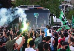 Kocaelisporun şampiyonluğu kentte büyük bir coşkuyla kutlanıyor