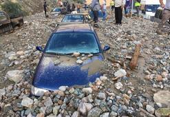 Artvin'de sel 1 kişi öldü, kayıp ihbarları üzerine çalışması başlatıldı