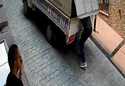 Beyoğlunda hareket halindeki kamyonetten hırsızlık anları kamerada
