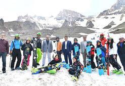 Erciyeste Temmuzun ortasında kayak keyfi
