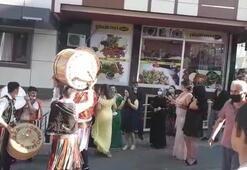 Görüntüler İstanbuldan Düğün eğlencesinde maske ve sosyal mesafe unutuldu