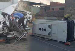 Son dakika... İzmirde işçi minibüsü ile otomobil çarpıştı Ölü ve yaralılar var