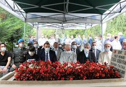 Sakaryada, 15 Temmuz şehidi polisi Serdar Gökbayrak mezarı başında anıldı