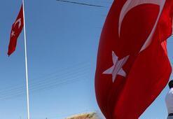 Adıyaman'da 70 metrekarelik Türk bayrağı dalgalandırıldı