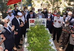 Diyarbakırda 15 Temmuz şehitleri mezarları başında anıldı