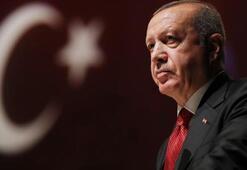 Cumhurbaşkanı Erdoğandan anlamlı paylaşım: Namluya alnını dayayan bir milletin önünde kim durabilir