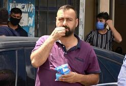 Arnavutköyde polis denetim yaptı Bir vatandaş çekirdek çitleyerek izledi