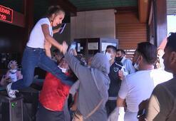 İskelede ortalık karıştı Kadınlar birbirine uçan tekmeyle saldırdı