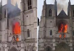 Son dakika: Fransa'da tarihi Nantes Katedrali'nde yangın