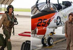 ABD'de 110 yıl sonra ilk siyahi kadın savaş uçağı pilotu oldu