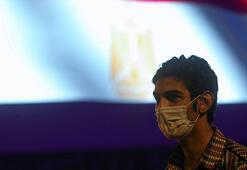 Mısırda corona virüs nedeniyle son 24 saatte 63 kişi yaşamını yitirdi