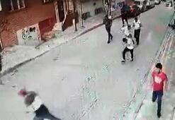 Oğlunun bıçaklı saldırıya uğradığını gören anne silahla ateş açtı