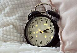 Alarm kurarak uyananlara biyolojik saat uyarısı