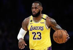 LeBron Jamesin oyuncu kartı rekor bedelle satıldı