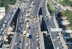 Haliç Köprüsünde trafik durma noktasına geld,