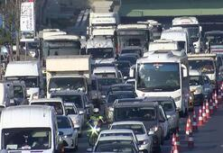 Haliç Köprüsünde trafik yoğunluğu Araç kuyrukları Edirnekapıya kadar uzandı