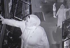 Arnavutköyde bir kadın çocuklarının gözü önünde saksıdaki çiçeği çaldı