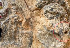 2 bin yıllık Herkül kaya kabartmasına çirkin saldırı
