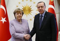 Son dakika... Cumhurbaşkanı Erdoğan, Almanya Başbakanı Merkel ile görüştü