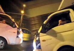 İstanbulda şok eden görüntü Kucağında çocukla kamyonet kullandı