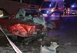 Otomobil temizlik aracına çarptı 2 ölü, 3 yaralı