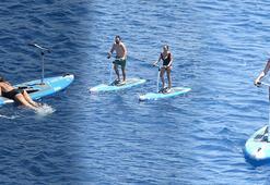 Seda Bakan, ailesi ve arkadaşlarıyla tekne turunda