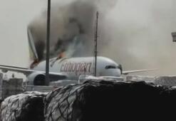 Korku dolu anlar Kargo uçağı alev alev yandı