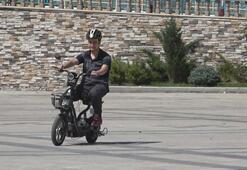 Kendisini şarj eden, elektriksiz bırakmayan akıllı motosiklet yaptı