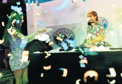 Hera Aslan söyledi, Doğulu DJ'lik yaptı