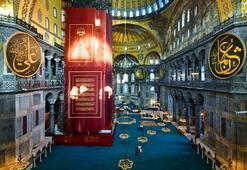 Son dakika: İstanbul Valisi Ali Yerlikaya paylaştı Ayasofya Camii içinden kare