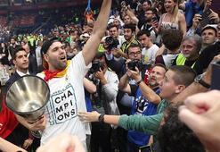 Real Madrid, 40 yaşındaki Felipe Reyesin sözleşmesini uzattı