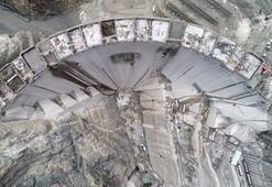 Türkiyenin en yüksek barajının yapımında 220 metreye ulaşıldı