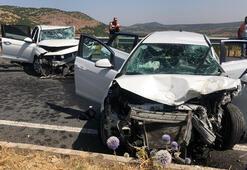 Bingölde otomobiller çarpıştı: 2 ölü, 5 yaralı