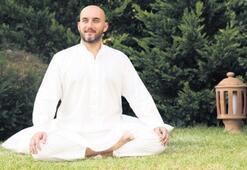 Online olarak yoga eğitimi veriyorlar