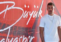 Podolski: Antalyaspora faydam olduğu için çok mutluyum