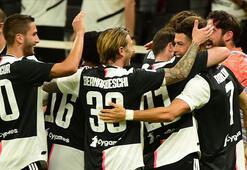İtalya Serie Ada Juventusun şampiyonluk hegemonyası üst üste 9. yılında