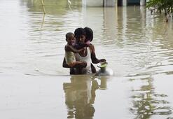 Hindistanda sel ve heyelanlarda ölenlerin sayısı yükseldi