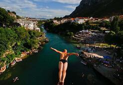 Bosna Hersekte 454. Geleneksel Mostar Köprüsü Atlayışları  yapıldı