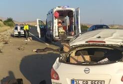 Malatya otomobil devrildi Ölü ve yaralılar var