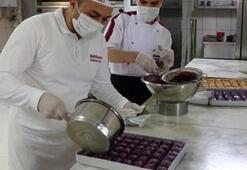 Erzurumlu usta, diyabet hastaları için mor baklava üretti