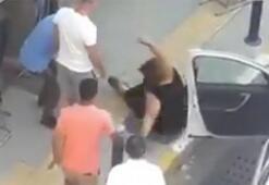 Sosyal medyada tepki çeken görüntüler Kadını yola savurdu