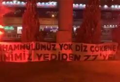 Fenerbahçe taraftarından Gökhan Gönül-Caner Erkin protestosu...