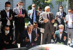 Mustafa Destici, Muhsin Yazıcıoğlunun mezarını ziyaret etti