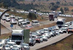 Bolu Dağında bayram trafiği Ankara yönü dolu