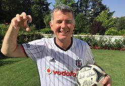Beşiktaş Kulübünden Richard Moorea tebrik