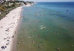 Menekşe Plajında yoğunluk havadan görüntülendi