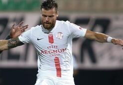 Son dakika | Antalyasporlu Celustka, Sparta Praga imza attı